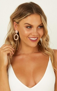 Standy By Earrings In Rose Gold