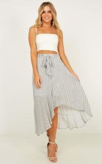 Summer Icon Skirt In White Stripe