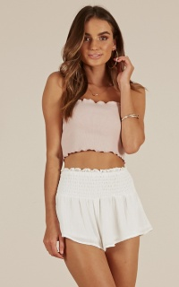 Ocean Waves shorts in white