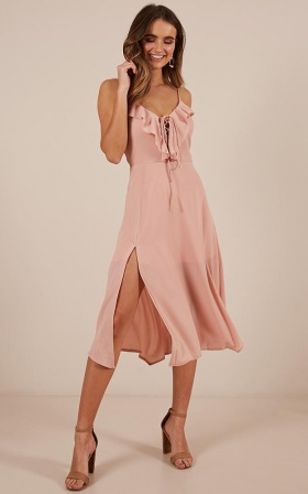 Think Quick Dress In Blush