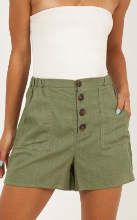 Field Of Dreams Shorts In Khaki
