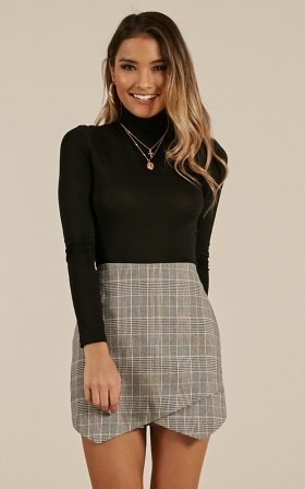Lovers Betrayal Skort In Grey Check