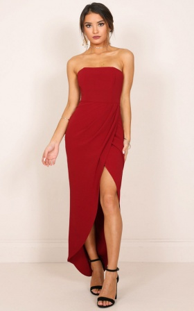 Moon Shadow Maxi Dress In Wine