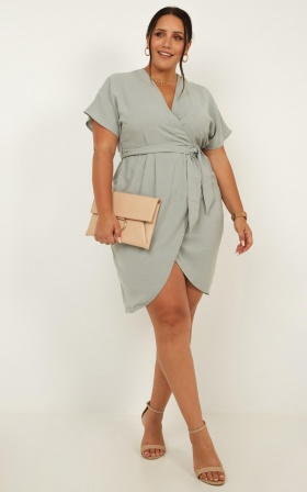 All Shook Up Dress In Sage Linen Look