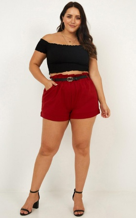 Cool And Calm Short In Red Linen Look