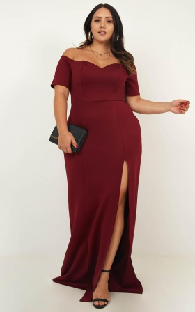Clueless Dream Maxi Dress In Wine