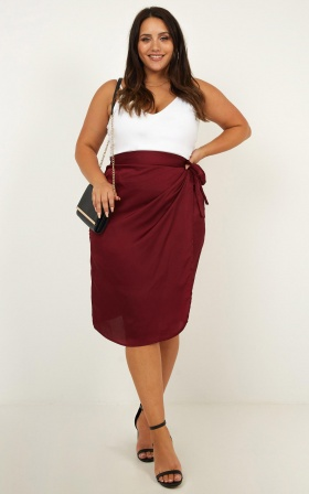 Oh Darling Skirt In Wine Satin