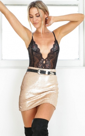 Show Me Off mini skirt in champagne sequin