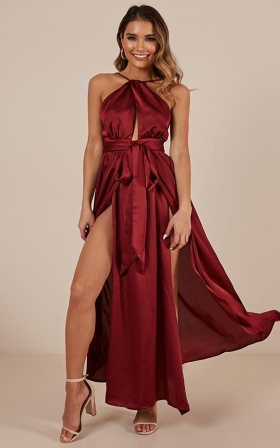 Stroke Of Luck Maxi Dress in wine