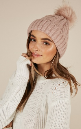 Break Your Heart beanie in blush