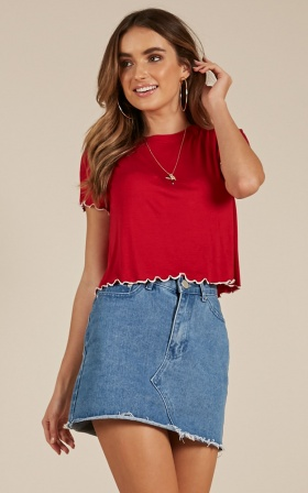 Nineties Baby tee in red