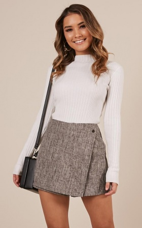 Shes The One Skorts In Grey Tweed