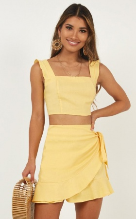 Royal Power Two Piece Set In Lemon Linen Look
