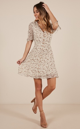 Throwing Shapes dress in white floral