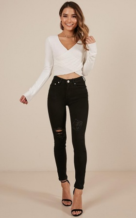 Isla Skinny Jeans In Black