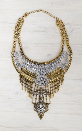 Warrior necklace in gold
