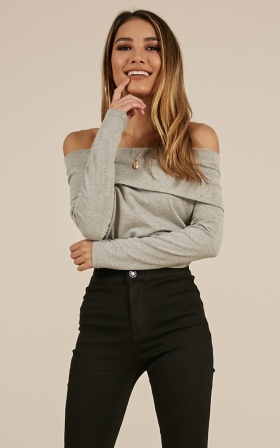 Crowd Pleaser top in grey
