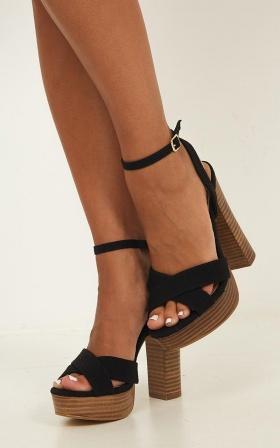 Billini - Eva Heels In Black Linen Look
