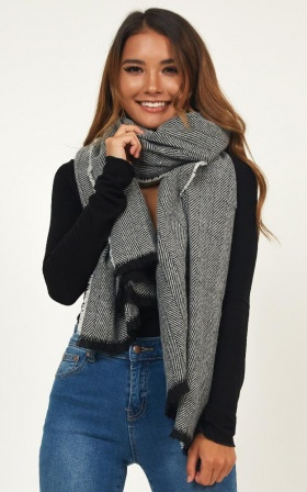 Free Falling Heart Scarf in Grey Print