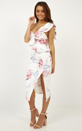 Leaving Alone Dress In White Floral