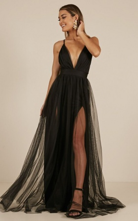 Celebrate Tonight Maxi Dress In Black