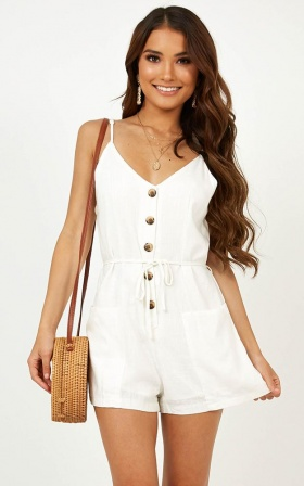 Sandstorm Playsuit In White Linen Look
