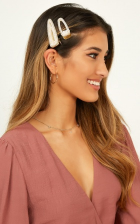 Blank Space Hair Clip 2 Pack In Gold And Pearl