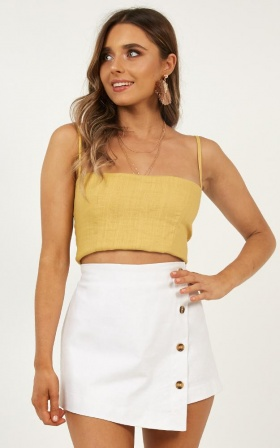 Bloom Top In Mustard Linen Look