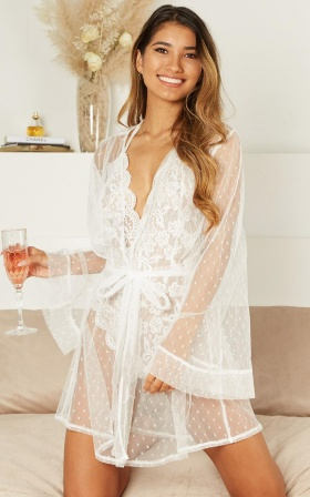 Feeling Love Bride Robe In White Mesh