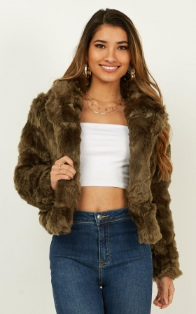 Harlow Faux Fur Coat In Khaki