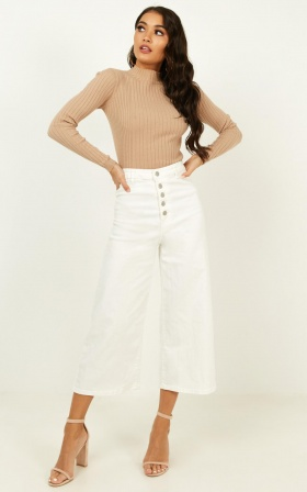 Ilana Wide Leg Jeans In White Denim