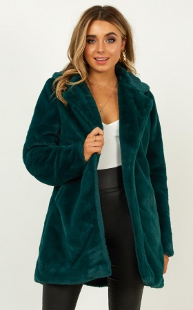 Leaning On You Coat In Emerald faux fur