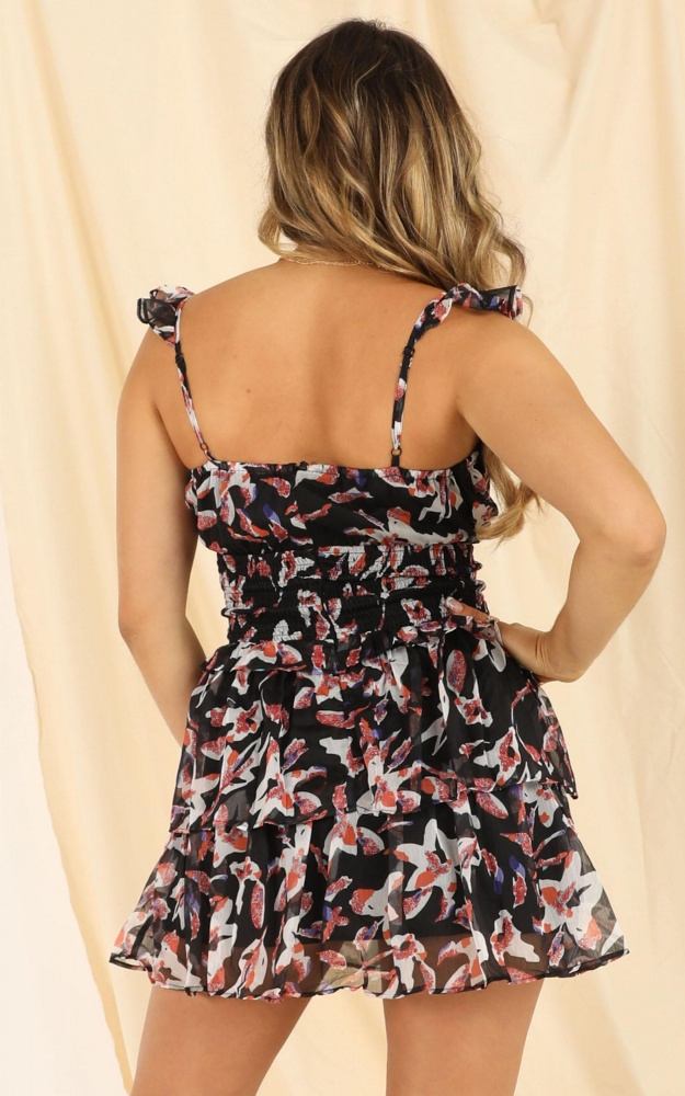 /b/y/by_the_water_dress_in_black_floral_6_.jpg