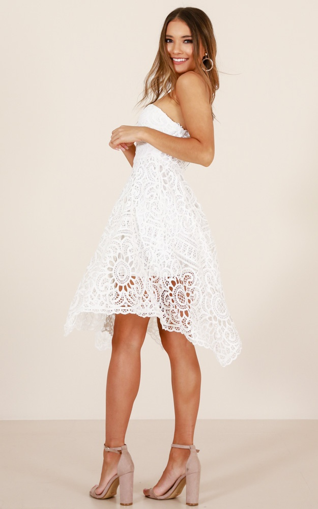 /c/o/coastal_scent_dress_in_white_crochero.jpg