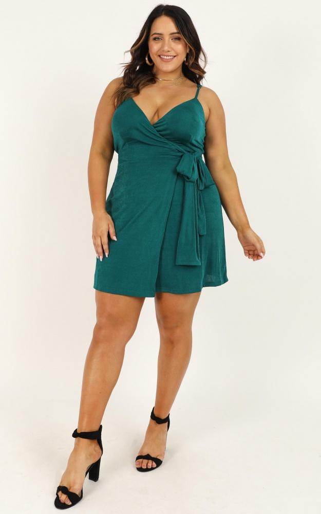 /e/_/e_but_i_got_a_lot_of_style_dress_in_emerald_2_.jpg