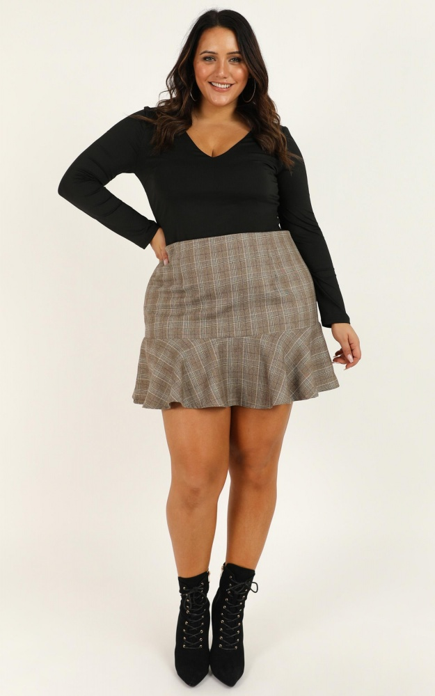/e/_/e_get_moving_skirt_in_chocolate_check_ro.jpg