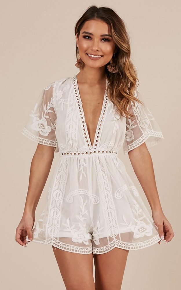 /f/a/face_the_love_playsuit_in_white_lace.jpg