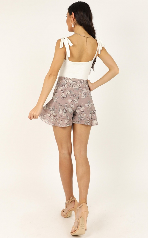 /f/l/flower_blossom_shorts_in_mauve_floral_2_.jpg