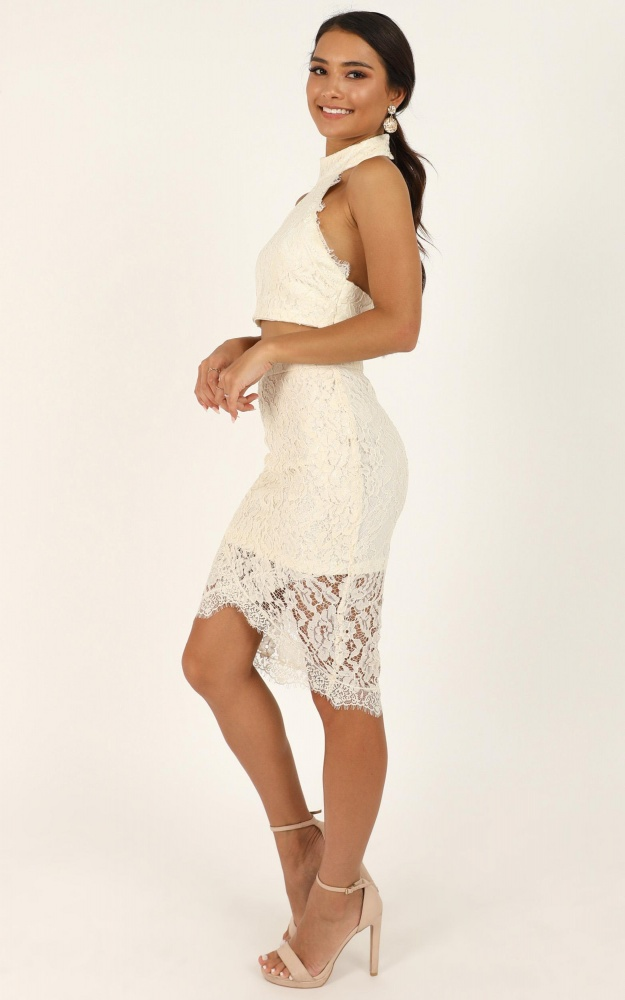 /i/_/i_own_my_heart_in_two_piece_set_in_cream_lace_4_.jpg