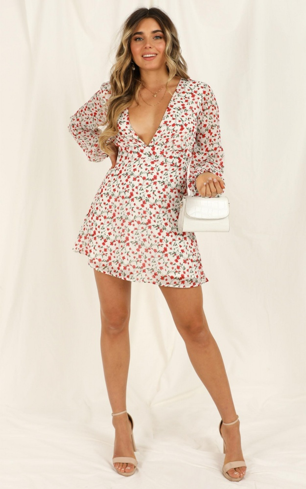 /l/a/lace_me_up_dress_in_white_floral_2_.jpg
