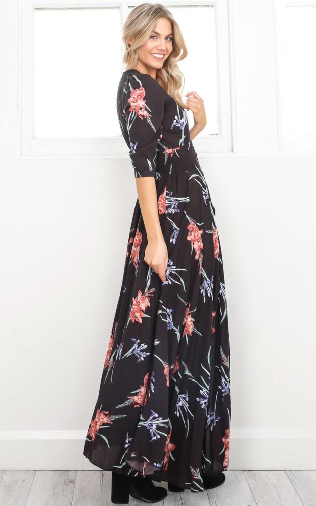 /l/o/lone_traveller_maxi_dress_in_black_tropical_floral_ro.jpg