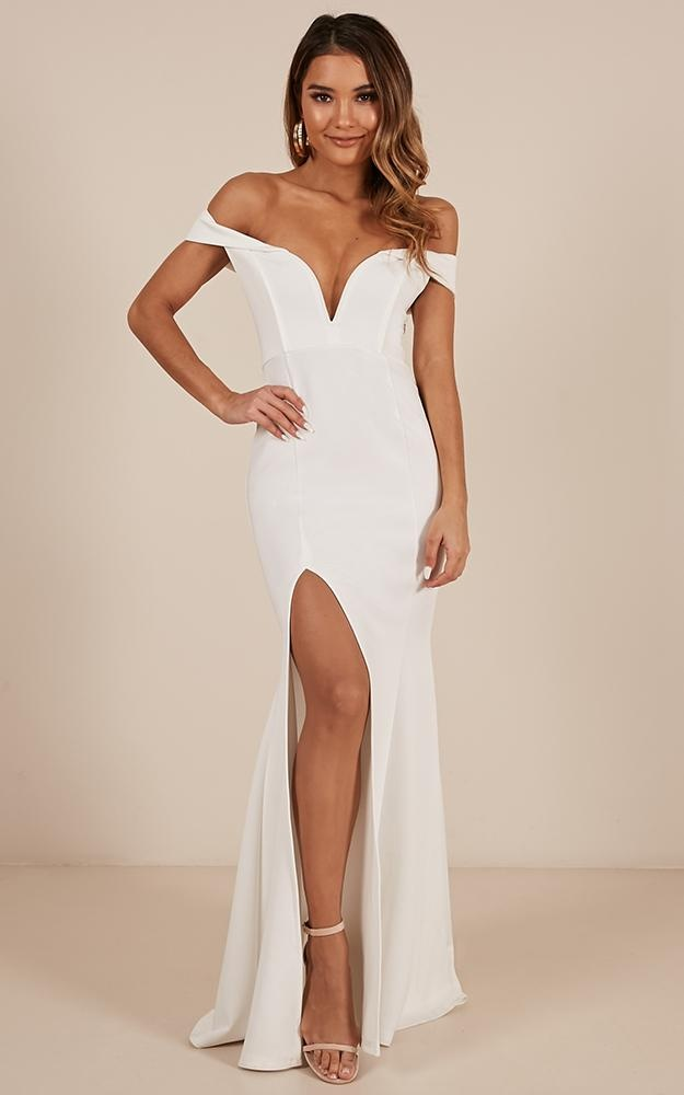 /m/o/modern_day_magic_maxi_dress_in_white3.jpg
