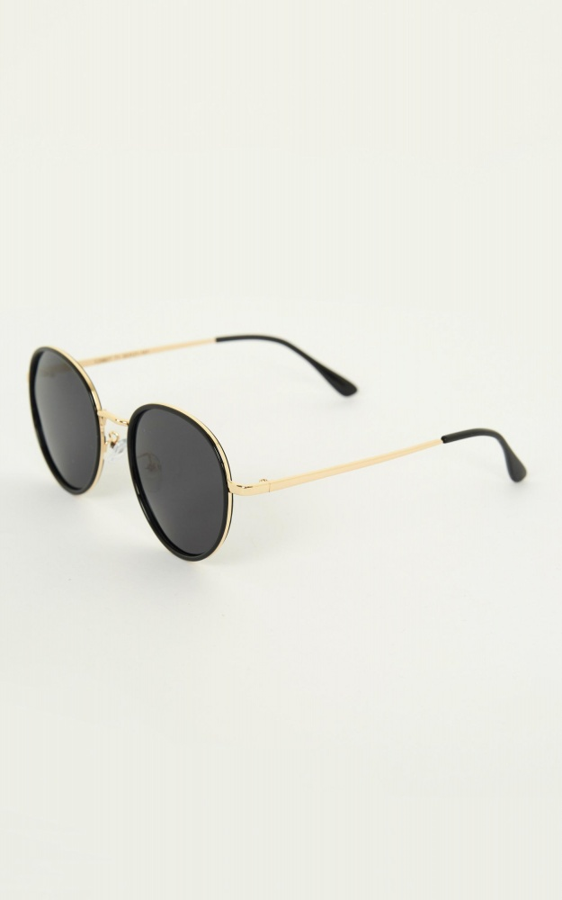 /r/i/right_about_now_sunglasses_in_black_and_gold.jpg