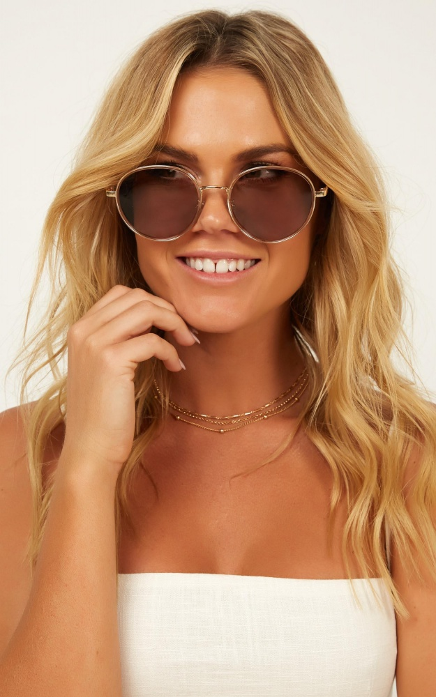 /r/i/right_about_now_sunglasses_in_gold_1_.jpg