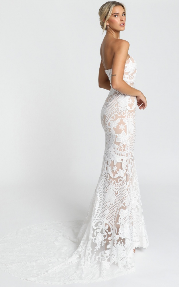 /r/o/rolet_s_get_married_gown.jpg