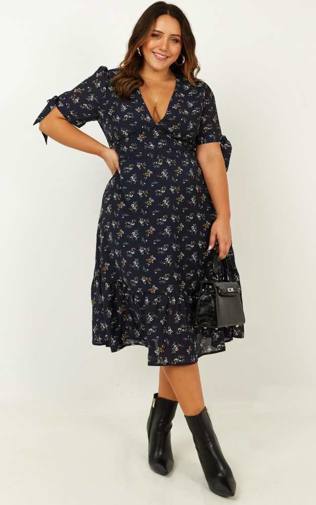 /r/o/romixing_friend_dress_in_navy_floral.jpg