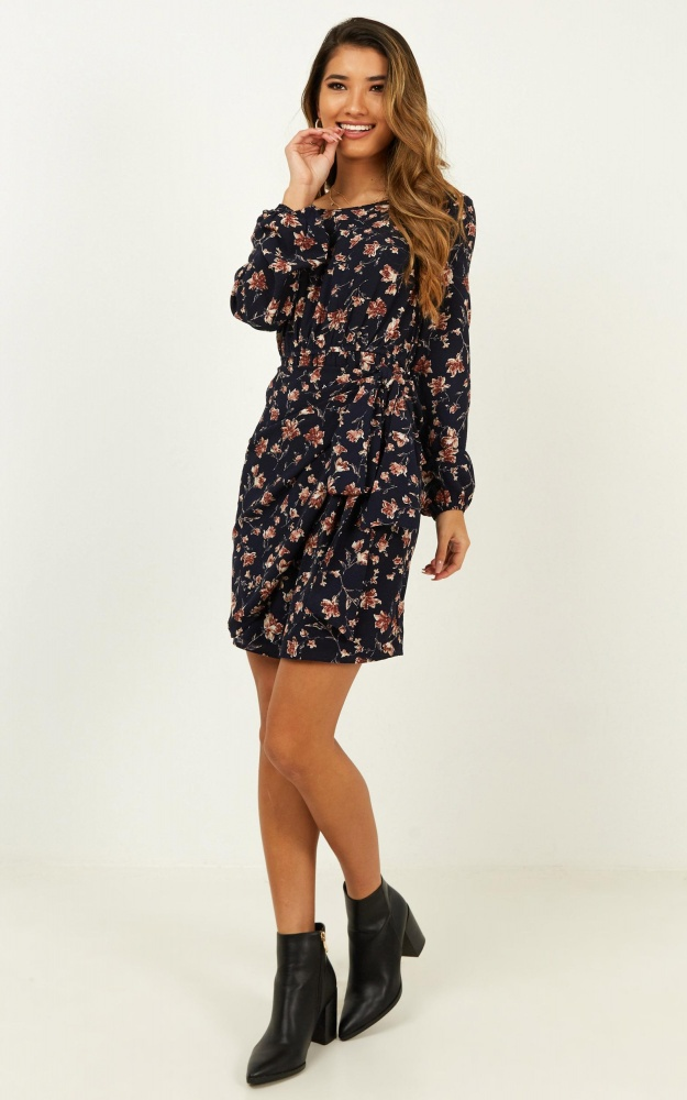 /r/o/roone_last_chance_dress_in_navy_floral.jpg