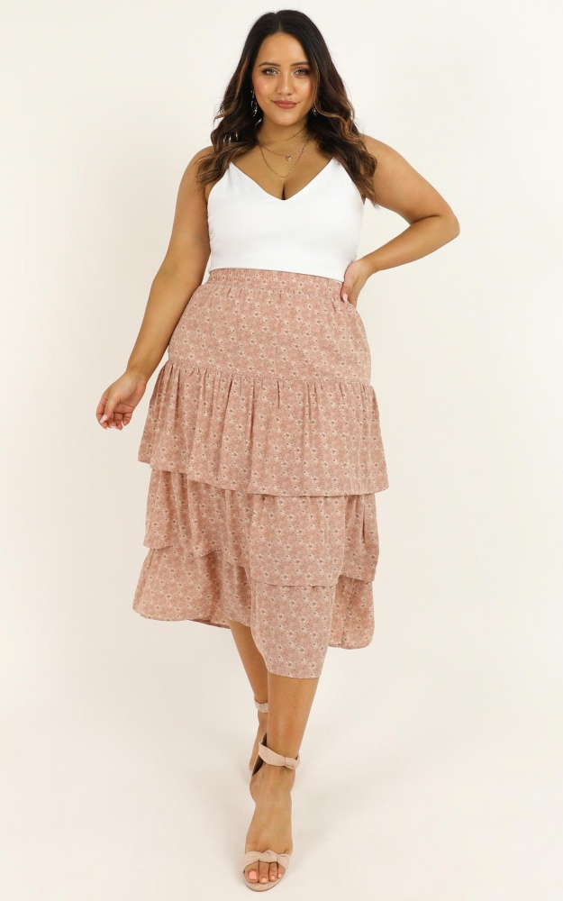 /r/o/rosweet_salvation_skirt_in_blush_floral.jpg