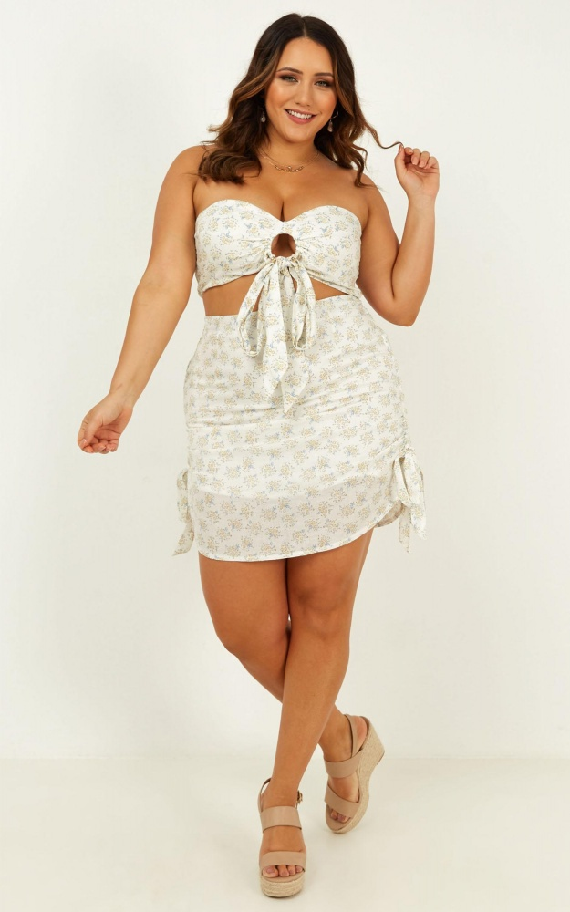 /r/o/rothe_streets_of_greece_top_in_white_floral.jpg