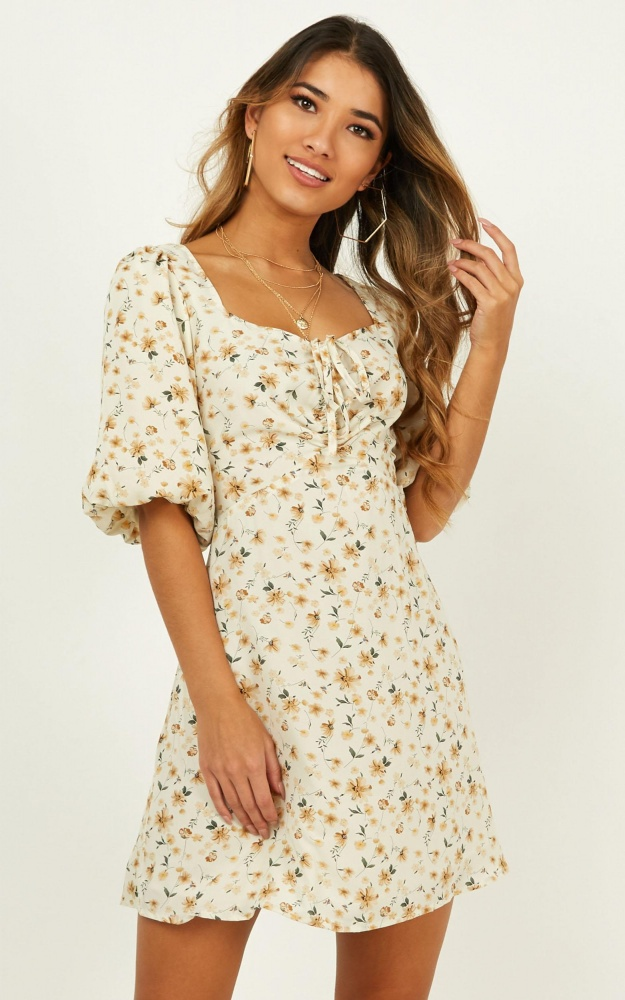 /s/m/smile_and_nod_dress_in_cream_floral_6_.jpg